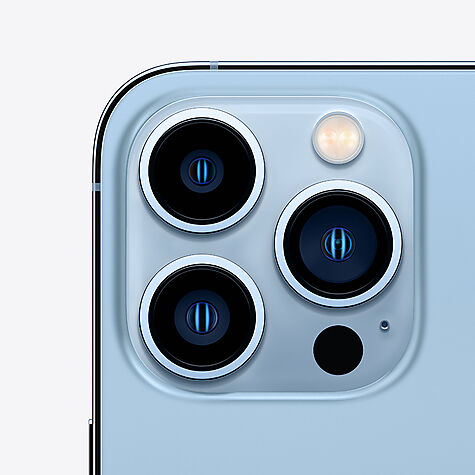 apple_iphone13pro_blue_position3.jpg